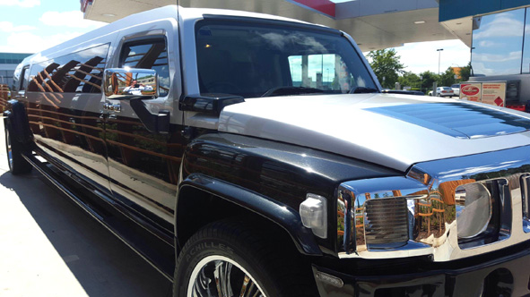 Hummer limo Hire Melbourne at awesome prices!! TXT for a quote